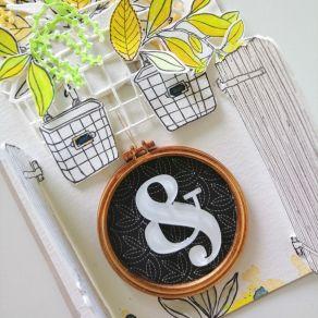 Tampon bois PORTE EN BOIS par Florilèges Design. Scrapbooking et loisirs créatifs. Livraison rapide et cadeau dans chaque com...