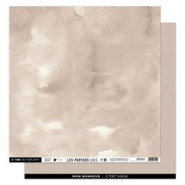 Papier uni 30,5 x 30,5 cm N°18 BEIGE ANGORA par Florilèges Design. Scrapbooking et loisirs créatifs. Livraison rapide et cade...