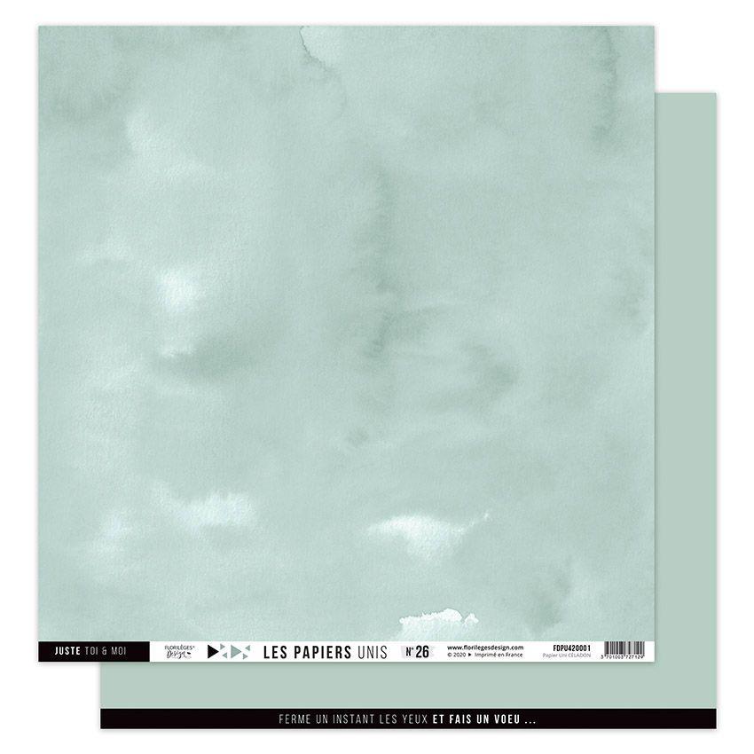 Papier Uni N°26 CÉLADON par Florilèges Design. Scrapbooking et loisirs créatifs. Livraison rapide et cadeau dans chaque comma...