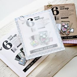 Tampon bois PAUSE SCRAP par Florilèges Design. Scrapbooking et loisirs créatifs. Livraison rapide et cadeau dans chaque comma...