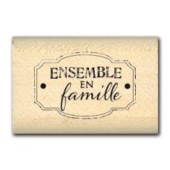 Tampon bois ENSEMBLE EN FAMILLE  par Florilèges Design. Scrapbooking et loisirs créatifs. Livraison rapide et cadeau dans cha...