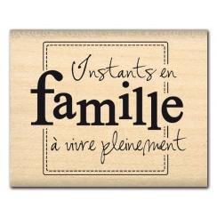 Tampon bois INSTANTS EN FAMILLE par Florilèges Design. Scrapbooking et loisirs créatifs. Livraison rapide et cadeau dans chaq...