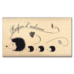 Commandez Tampon bois PARFUM D'AUTOMNE Florilèges Design. Livraison rapide et cadeau dans chaque commande.