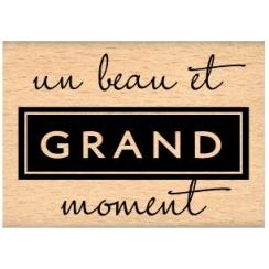 GRAND MOMENT