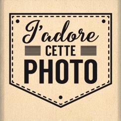 Tampon bois J'ADORE CETTE PHOTO -Capsule Mars par Florilèges Design. Scrapbooking et loisirs créatifs. Livraison rapide et ca...