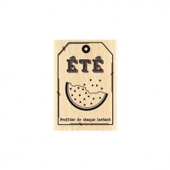 Tampon bois PETITE PASTÈQUE par Florilèges Design. Scrapbooking et loisirs créatifs. Livraison rapide et cadeau dans chaque c...