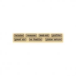 Tampon bois BALADES EN FAMILLE par Florilèges Design. Scrapbooking et loisirs créatifs. Livraison rapide et cadeau dans chaqu...