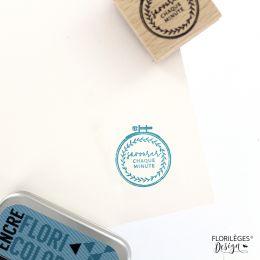 PROMO de  sur Tampon bois BRODERIE Florilèges Design