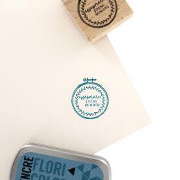 Tampon bois italien RICAMO par Florilèges Design. Scrapbooking et loisirs créatifs. Livraison rapide et cadeau dans chaque co...