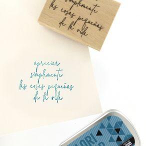 Tampon bois espagnol APRECIAR LA VIDA par Florilèges Design. Scrapbooking et loisirs créatifs. Livraison rapide et cadeau dan...