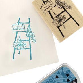 Tampon bois espagnol ESCALERA DECORATIVA par Florilèges Design. Scrapbooking et loisirs créatifs. Livraison rapide et cadeau ...