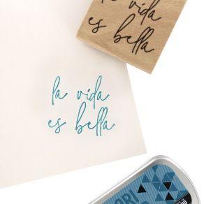 Tampon bois espagnol BUENA VIDA par Florilèges Design. Scrapbooking et loisirs créatifs. Livraison rapide et cadeau dans chaq...