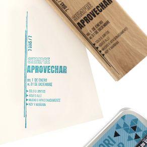 Tampon bois espagnol SIEMPRE APROVECHAR par Florilèges Design. Scrapbooking et loisirs créatifs. Livraison rapide et cadeau d...