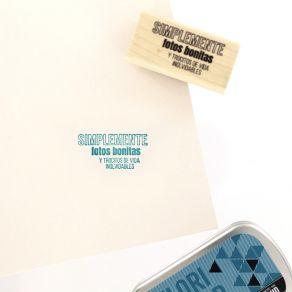 Tampon bois espagnol UNAS FOTOS BONITAS par Florilèges Design. Scrapbooking et loisirs créatifs. Livraison rapide et cadeau d...