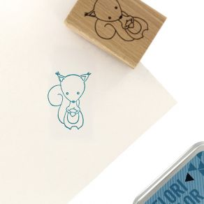 Tampon bois MON PETIT ÉCUREUIL par Florilèges Design. Scrapbooking et loisirs créatifs. Livraison rapide et cadeau dans chaqu...