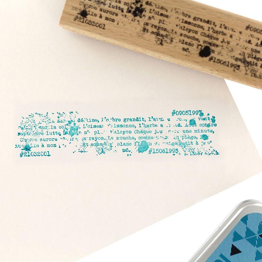 Tampon bois ÉCRITURE STYLÉE par Florilèges Design. Scrapbooking et loisirs créatifs. Livraison rapide et cadeau dans chaque c...